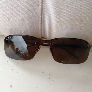 Mens ray bans sunglasses with case.